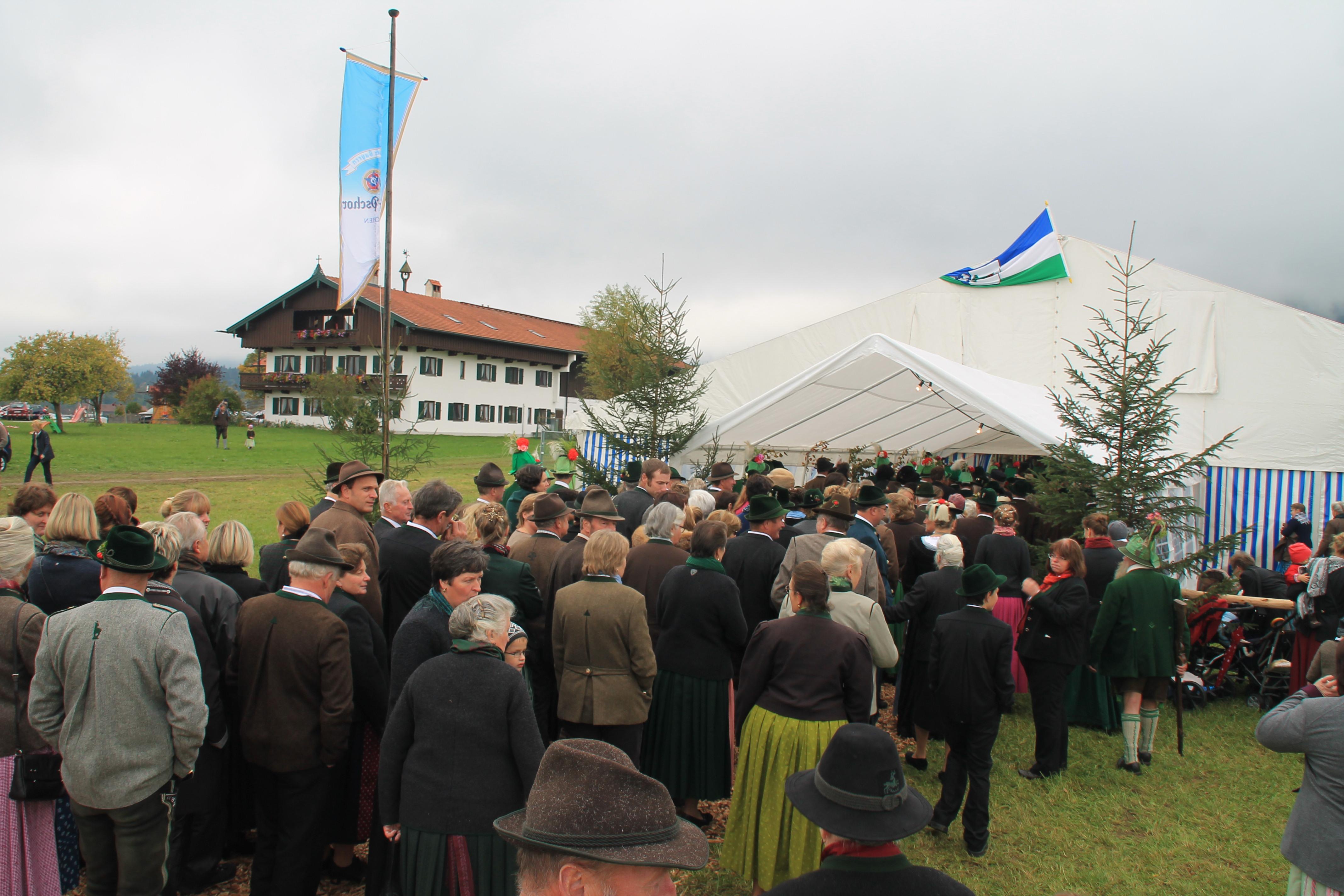 Der Arzbacher Hof trifft das Festzelt